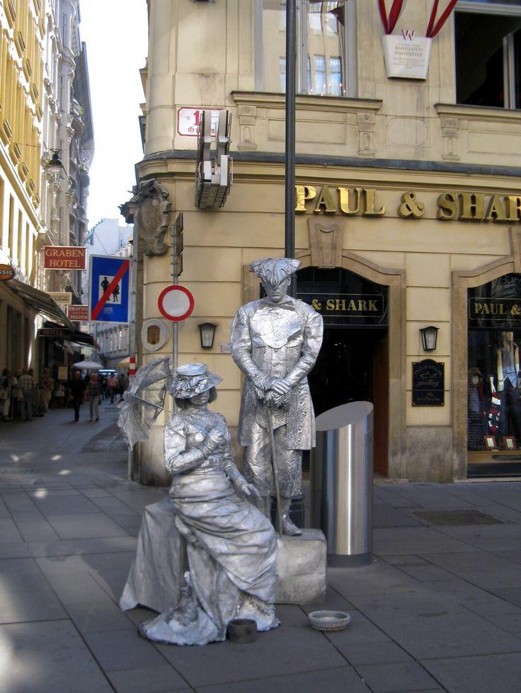 Vienna; Austria; Wien; Graben; Schausteller