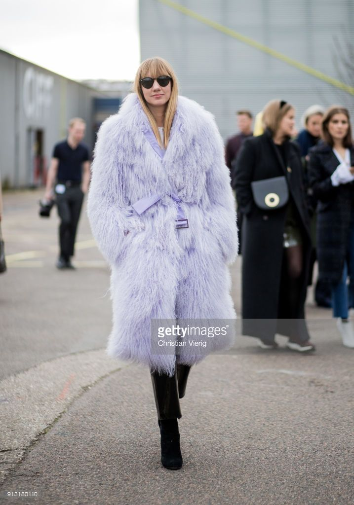 Lisa Aiken Outside Designers Remix During The Copenhagen Fashion Week Purple Outfits Copenhagen Fashion Week Fashion