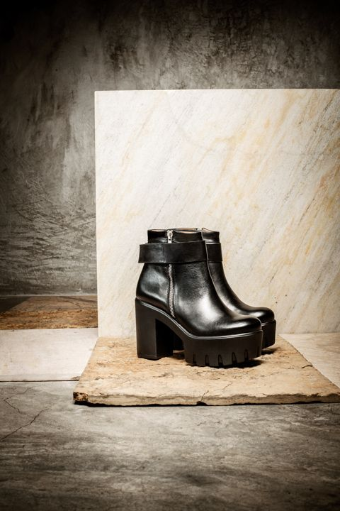 Eureka Shoes, Look Books, Shoe Boot, Calming, Campaign, Accessories, Shoe,  Boots, Ankle Booties