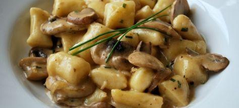 Δες εδώ μια νόστιμη συνταγή για ΝΙΟΚΙ ΜΕ ΜΑΝΙΤΑΡΙΑ, μόνο από τη Nostimada.gr
