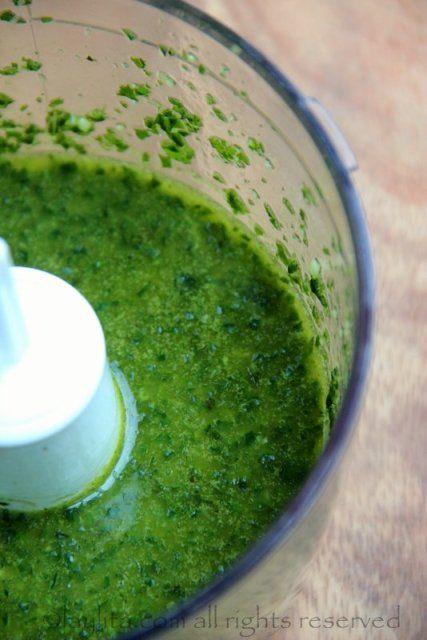 Como hacer salsa de albahaca con ajo y aceite de oliva