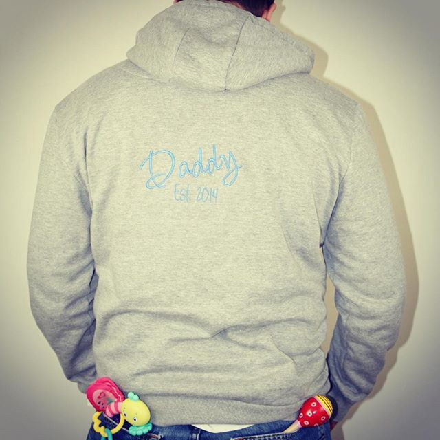 """Special Father's Day custom hoodie """"Daddy Est. 2014"""" #veronicaandmedesigns #oneofakind #unique #fathersday #customisedembroidery #happydaddy #nzsmallbusiness #aucklandsmall #aucklandembroidery #specialgift #giftsforhim #ahernphotography #nnzmo #networknz"""