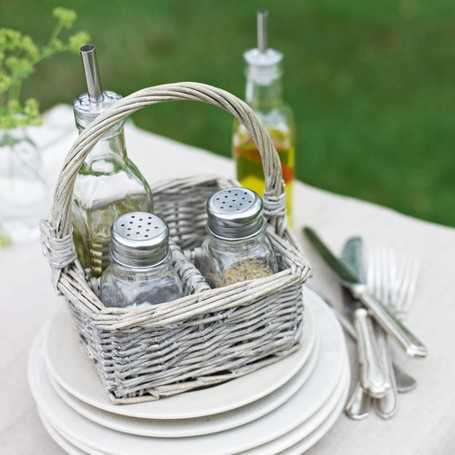 A day at the races, a night at the opera, or just a picnic in the park. This grey washed wicker basket is elegant and makes it so easy to carry seasonings, in the four separate compartments.