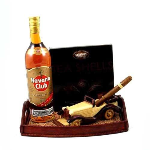 Pentru cei pasionaţi de romul Havana şi de trabucurile veritabile, precum şi pentru toţi bărbaţii rafinaţi şi puternici, Borealy – Cadouri de Lux a creat un set cadou menit să confere un plus de stil şi personalitate momentelor de răgaz. Havana Premium Cigar Gift – rafinament şi înaltă clasă pentru cei mai deosebiţi domni!