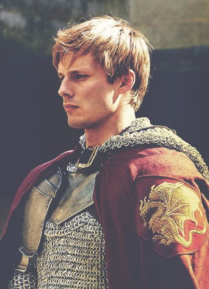 King Arthur will have medium length, dark blonde hair and his make up will be natural as shown.  The rest of the men including, Lancelot, Merlyn, Mordred, Galahad, Gareth, Gawaine, King Pellinore, Sir Kay, Sir Ector, Agravaine, Sir Bruce Sans Pitié, Uncle Dap, Sir Thomas Malory and Uther Pendragon  will have the same natural face makeup.