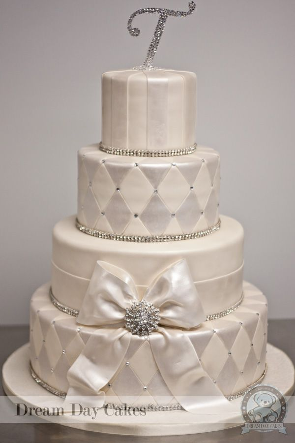 posh wedding cakes 37 best images about glitz glam amp posh wedding cakes on 18703