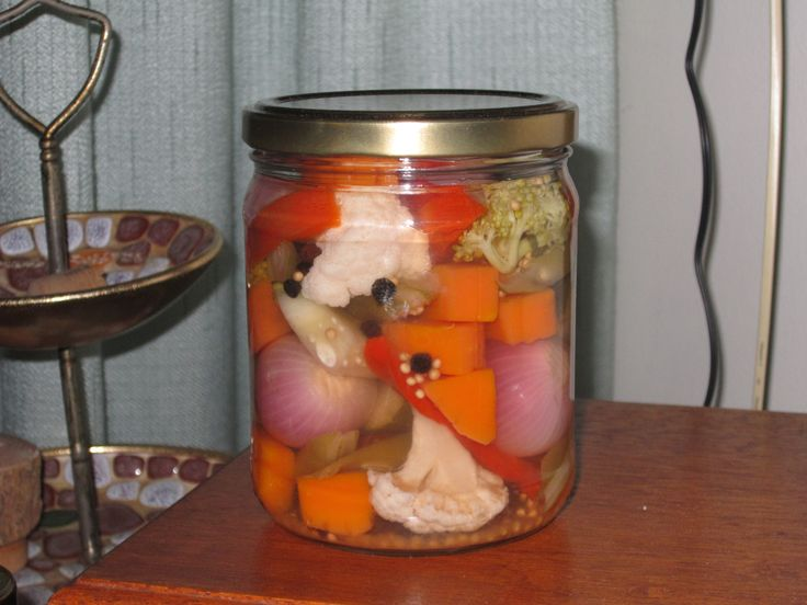 Encurtido natural de verduras mixtas