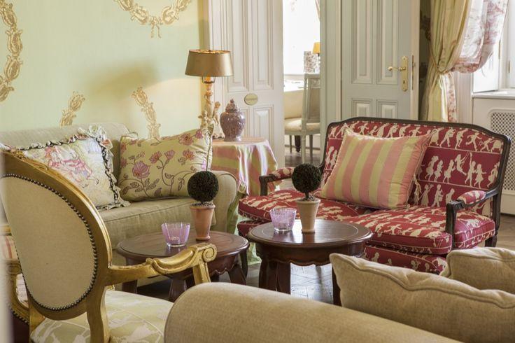 Amade Chateau Lobby