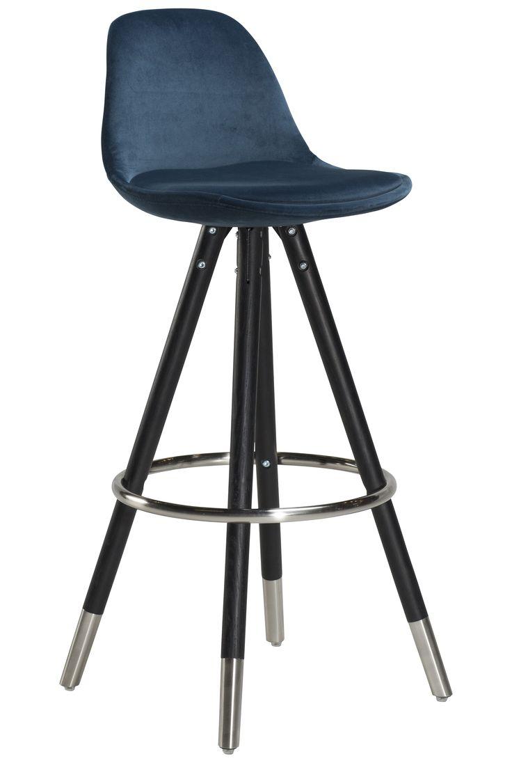 2 stk. Orso barstole med blåt veloursæde, sortbejsede ben og mat cap. pr. stk: 1520 kr.