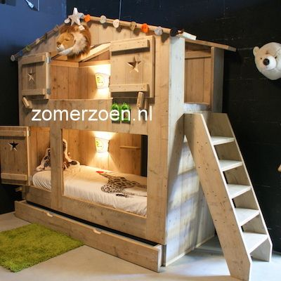 #xxl bunk bed #3-persoons stapelbed #stapelbed #steigerhouten stapelbed http://www.zomerzoen.nl/safaribed-liam.html