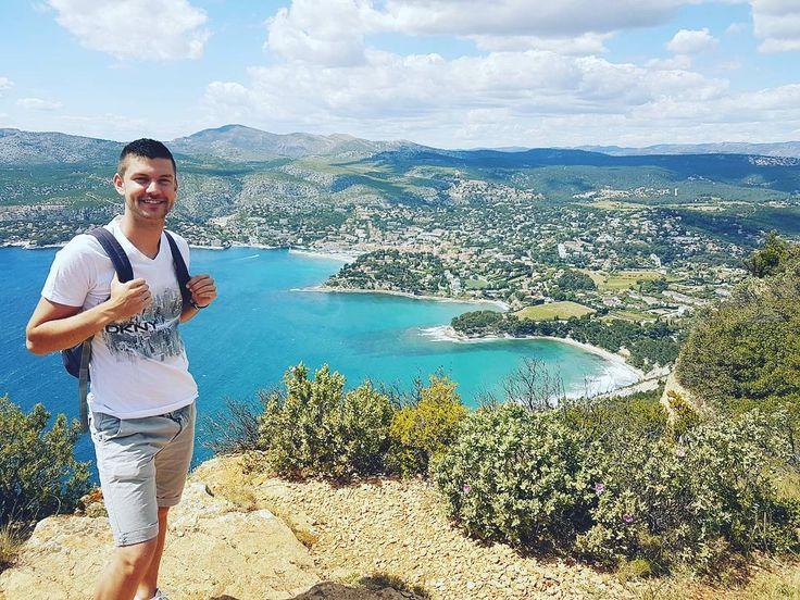 2 ème journée road trip avec l'anniversaire de la meilleure  Saint-Cyr-sur-mer  La ciotat Cassis  Marseille  ______________ #roadtrip #spring #cassis #marseille #view #beautiful #landscape #amazing #goodday #perfect #hiking #moutain #hills #sea #frenchriviera #france #frenchboy #frenchgirl #birthday #best by william13180
