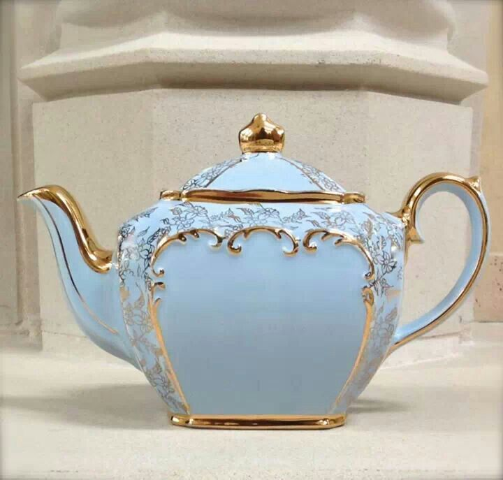 Baby Blue nd gold Sadler teapot