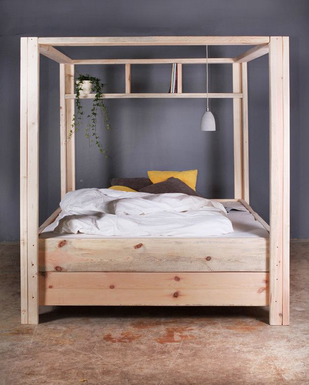 Rustikales Himmelbett aus Holz, minimalistisches Schlafzimmer / wooden four poster bed, minimalistic design made by FraaiBerlin via DaWanda.com