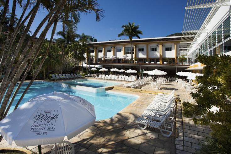 Piscinas externas com água mineral para total relaxamento no Plaza Caldas da Imperatriz Resort & SPA. Foto: Dr. Pictures