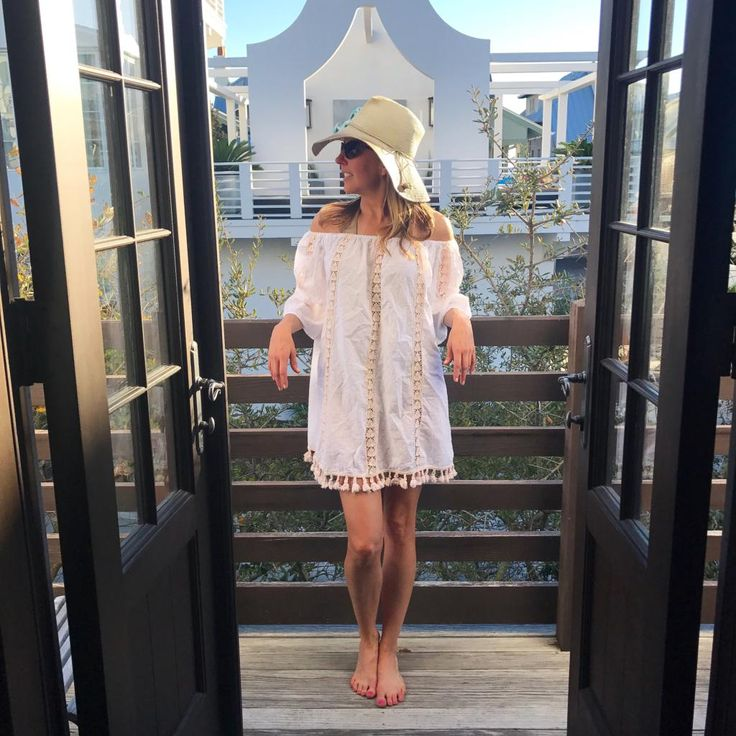 Packing List For A Spring Break Warm Weather Girls Trip - YourStyleVault.com