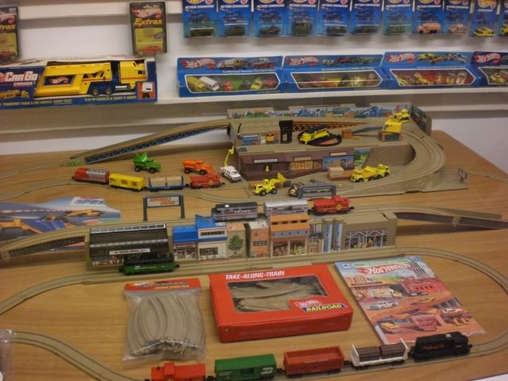 1980's Hot Wheels Trains-To-Go Sto & Go set with accessories. Mike