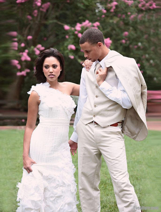 Golden State Warriors Guard Stephen Curry and wife Ayesha Alexander.