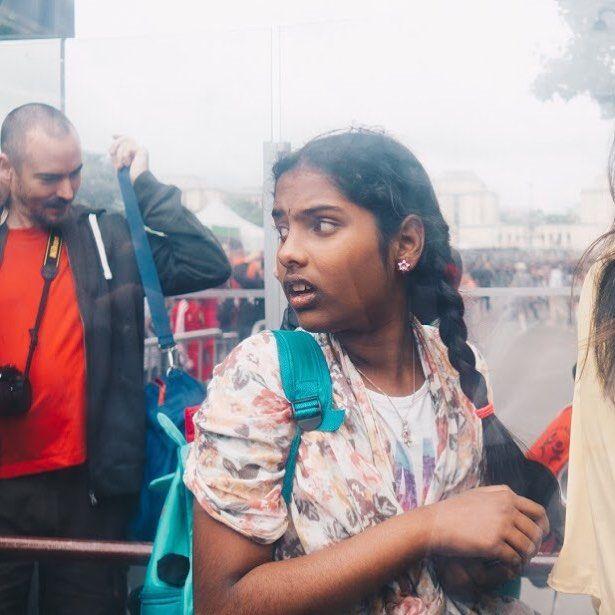 tot la coada . . . #child#face#streetphoto#visualtraveller#AoV#outofthisworld#artphoto#visualmood#vsco#exploretocreate#createcommune#MoodyGrams#cheadsmagazine#peoplescreatives#creativemag#agameoftones#instaart#paris#streetphotography#portraitphotography#portrait#portraiturephotography#girl#waitinginline