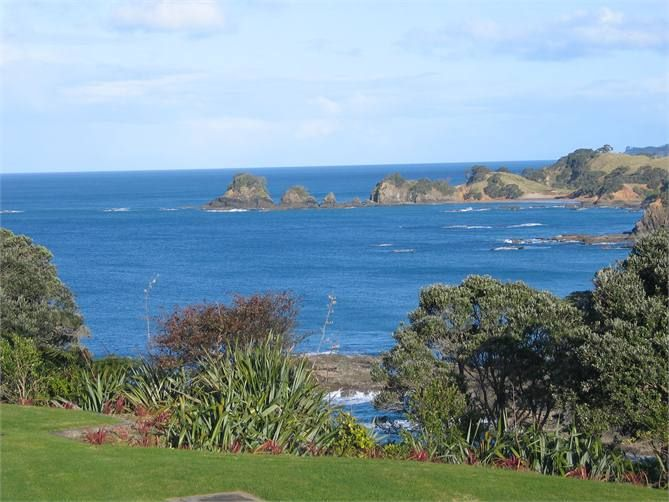 https://www.holidayhouses.co.nz/properties/25782.asp