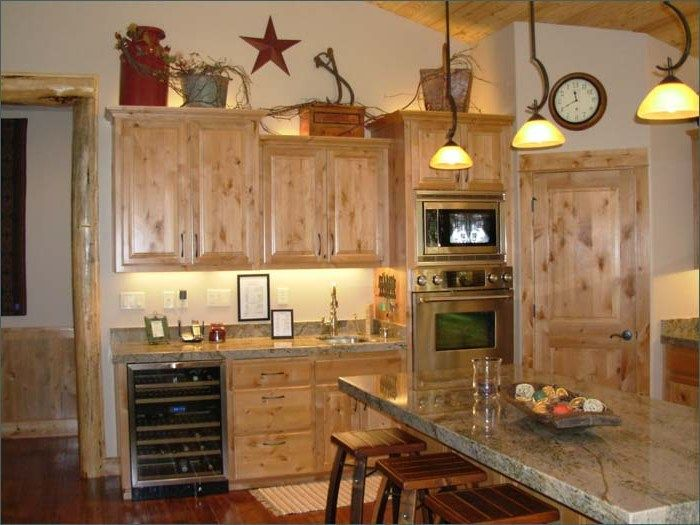 Imagining double oven next to corner pantry stove for Above kitchen cabinets decorating ideas