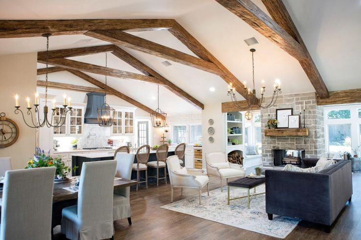 When retired couple Bill and Gloria Hayes decided to upgrade their boring, builder grade kitchen into a gourmet, kid friendly retreat their goal was luxury and style.