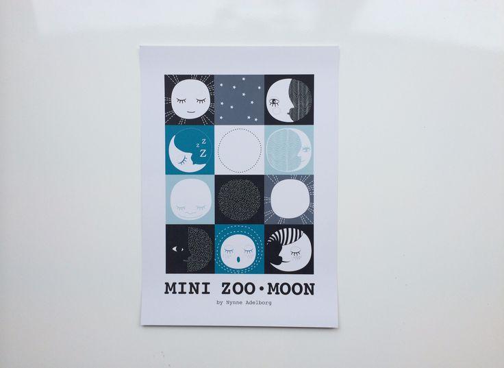 Mini Zoo ABC – Grafisk plakat med måne – A3 - Tinga Tango #illustration#minizoo#børneværelse#grafisk#godnat
