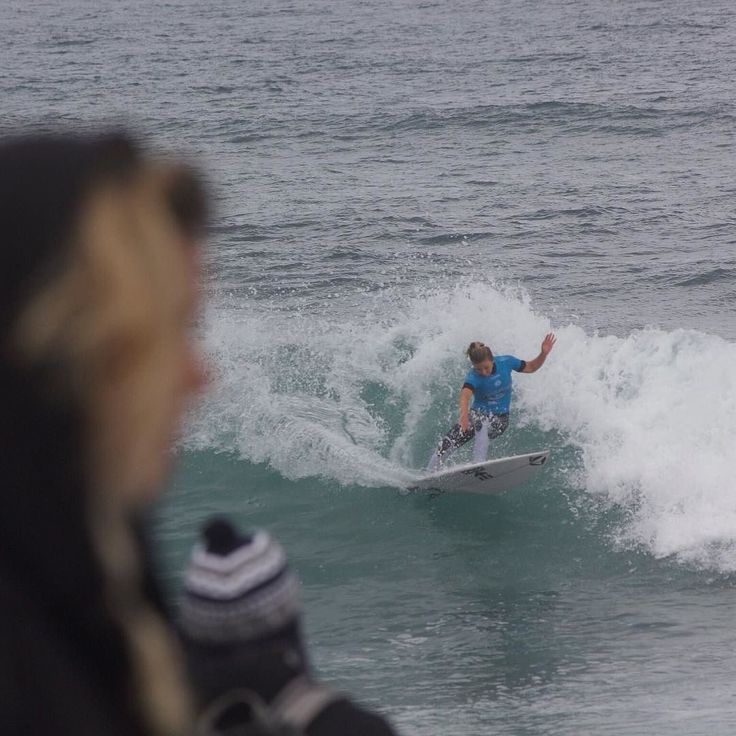 Off to Winki.. Women's Round4 ON at WinkiPop.. Steam live on the WSL app or watch it on FoxSports..    No more Coco shattered she's been knocked out but wells see her at Margz frothing and ready to go!!   Took this photo during her heat at Bells last Saturday!! @xococoho   #itsON #winki #winkipop #cocoho #coco #hawaiian #womensurfing #wsl #ripcurl #ripcurlpro #bells #bellsbeach #hellsbells #bellsbowl #worldsurfleague #surfphotography #live #surfing #surf #swell #waves #ocean #torquay…