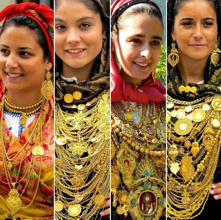 Les portugaises valent de l'or! - coutume des defilés lors des proceçao - fêtes du Portugal