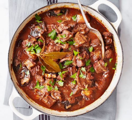 Beef in red wine with melting onions READ THE HELPFUL REVIEWS BEFORE MAKING!