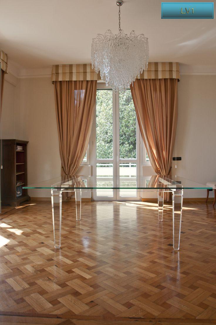 Lucite Acrylic dining table - TAVOLI PRANZO IN PLEXIGLAS | Tavolo plexiglass piano in cristallo extra-chiaro cm.200 x 200 - telaio cm.150 x 150 sp.mm.60 - gambe sez.mm.100 - h.cm.76