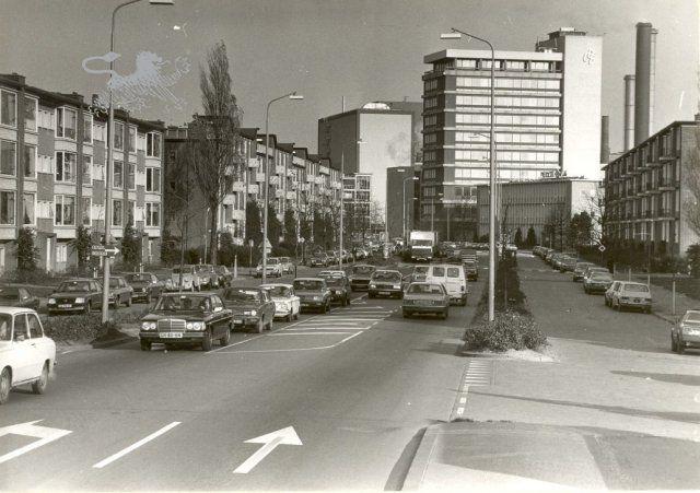 Pieter Stuyvesantweg, gezien vanaf de Tjotterstraat naar het noorden.