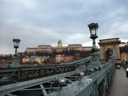 budapest_053 - 184 kb - 1024x768 - The Sz�chenyi Chain Bridge over the Danube river and the Buda Castle