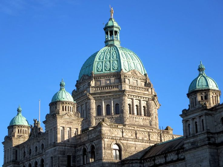 The neo-Baroque Parliament Building in Victoria, British Columbia, Canada, was erected in 1898. The gold-covered statue atop the central dome is of Captain George Vancouver.