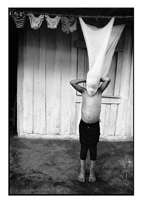 Revista Ojos Rojos. Fotografía del maestro cubano Raul Cañibano