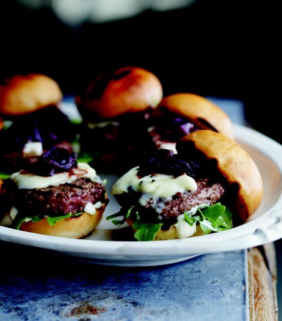Curtis Stone's sliders with onion marmalade and blue cheese recipe - Chatelaine.com