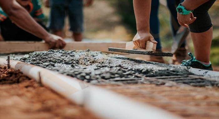 تفسير حلم رؤية الأسمنت في المنام دلالات الأسمنت في الحلم للعزباء والمتزوجة والحامل والرجل معنى البناء بالأس Hobbies For Men Best Hobbies For Men Mix Concrete