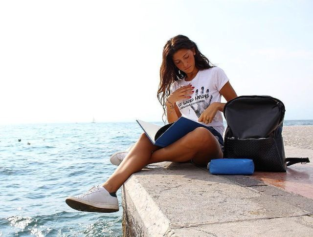 #Summer time! Giorgia Lucini decided to spend her #holiday at #GardaLake with her #twistblack #backpack and her new #notebook and #case of #Velvetcollection