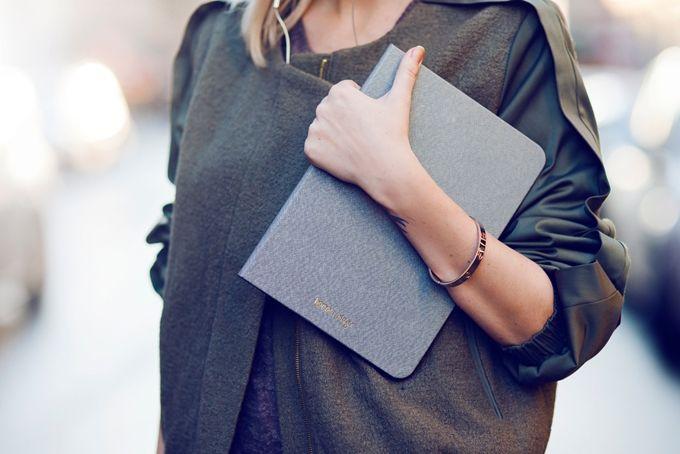 Happy Plugs Book Case: Protección y estilo reunidos en la funda iPad