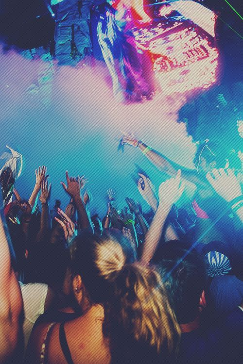 Party party. Throw your hands up and dance. Nothing is better than listening to music with friends and enjoying the night. #Party