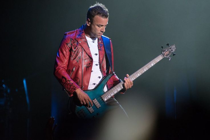 Chris Wolstenholme - Muse @ Hollywood Casino Amphitheatre, St. Louis (13.06.2017)