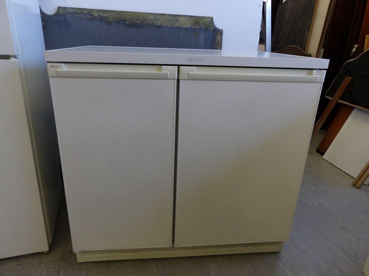 ZANUSSI Under Counter Fridge Freezer £65