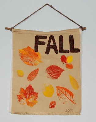 That Artist Woman - a few cute fall art ideas for young elementary on up. A few use items from nature = simple.