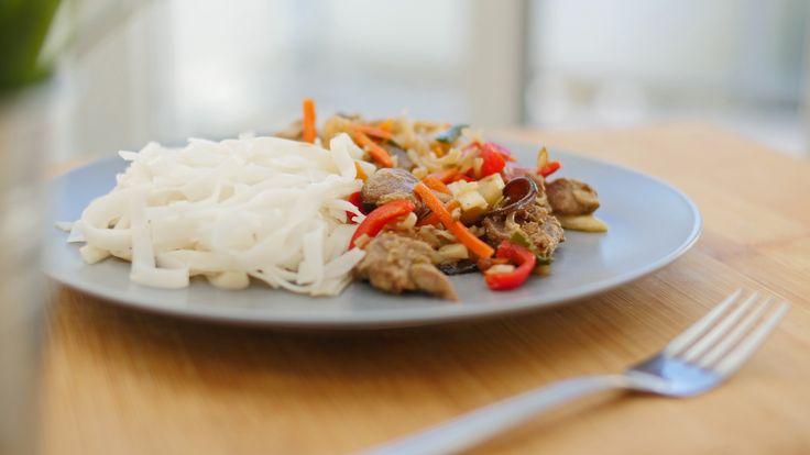 potrawka chińska z makaronem sojowym