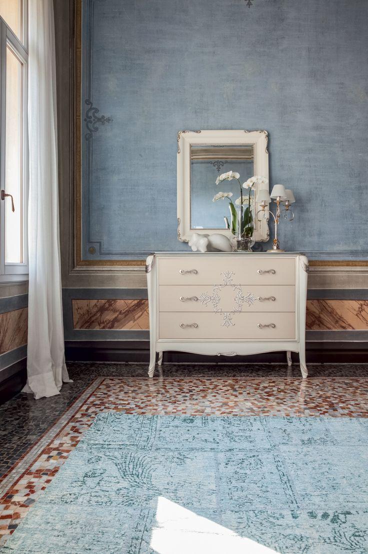 Comò modello Ivory in stile classico di Tonin Casa