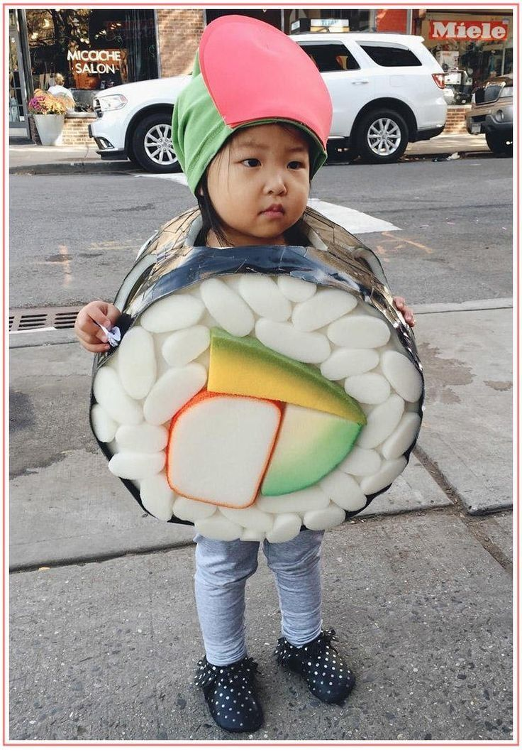This DIY sushi costume is too good not share. See how black duct tape, foam pieces and spray paint can turn your toddler into a sad but cute California roll.
