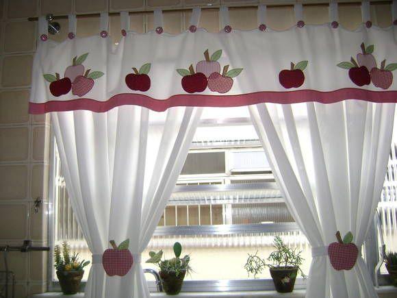 Olá, pessoal!     Querem dar um 'up' na cozinha de vocês?   Vejam estas ideias de cortinas lindas e para quem é arteira-costureira, então.....