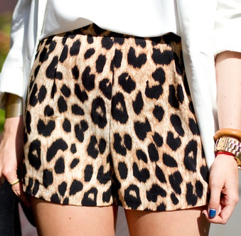 """Chic high waist shorts with a leopard print. Has an elastic waist.    Size: One Size (Regular) fits XS/S/M best  Waist: 25.59"""" (Elastic waist)  Hip: 38.19""""  Length: 25.20""""      Shipping: For this item, please allow up to 15-26 business days for delivery after shipment."""