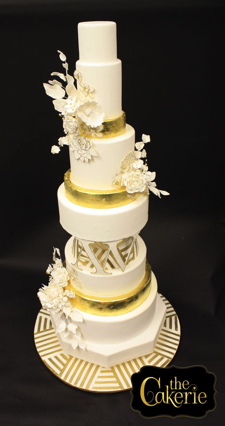 modern wedding cakes pinterest 1000 ideas about geometric cake on modern 17486