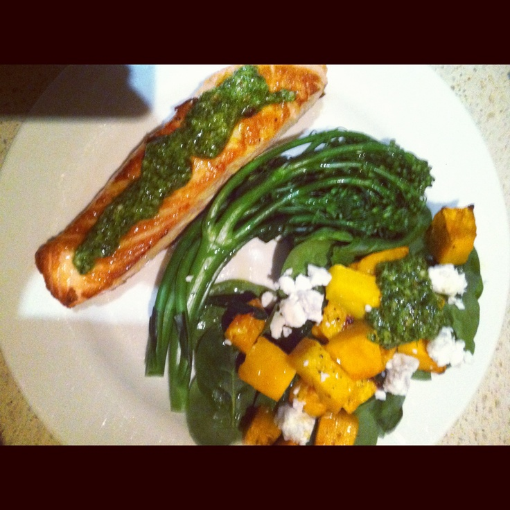 ... : grilled salmon and pumpkin with homemade pesto and spinach leaves