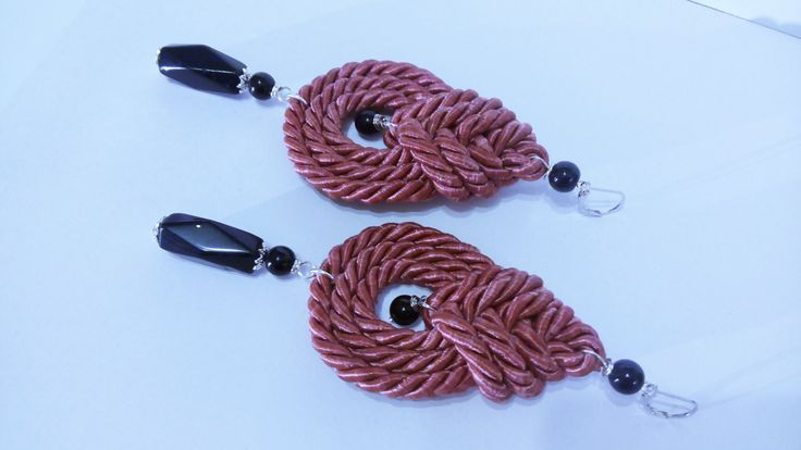 Celtic knot earrings/Old pink Twisted cord knot/Knotted earrings ethnic style/Celtic earring/Orecchini grandi nodi celtici/Nodi celtici rosa di Athiss su Etsy